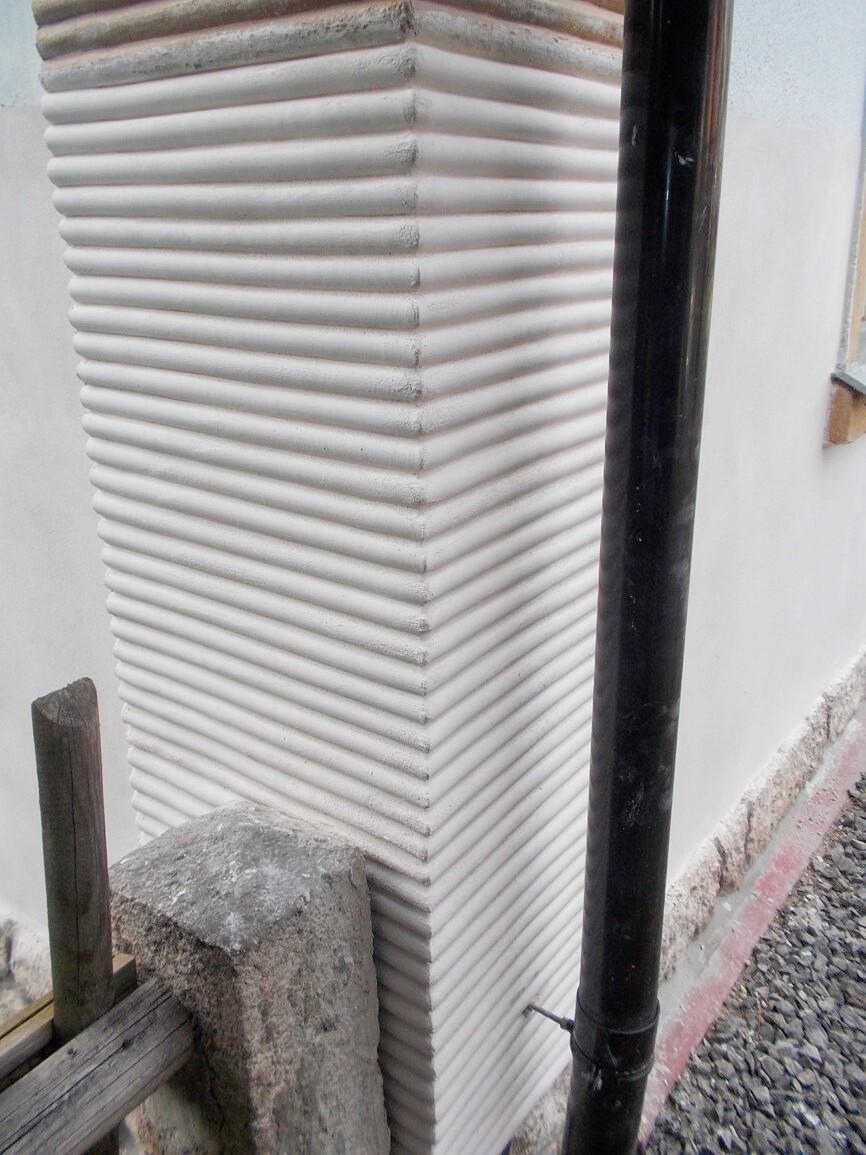 Nanosan - RD Desná - detail rohu domu